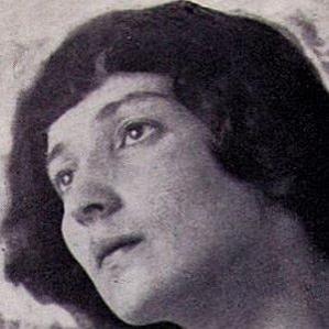 Bella Rosenfeld bio