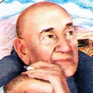 Suleyman Rustam bio