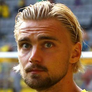 Age Of Marcel Schmelzer biography