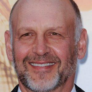 Age Of Nick Searcy biography
