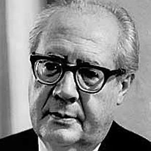 Andres Segovia bio