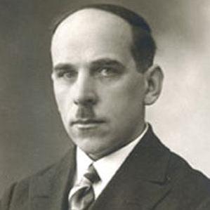 Johannes Semper bio