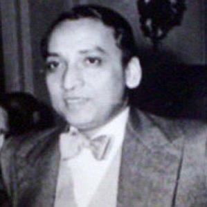 Ashoke Kumar Sen bio