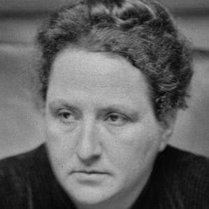Gertrude Stein bio