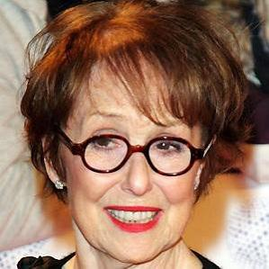 Age Of Una Stubbs biography