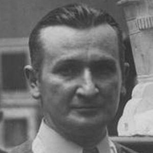 Stanislaw Szukalski bio