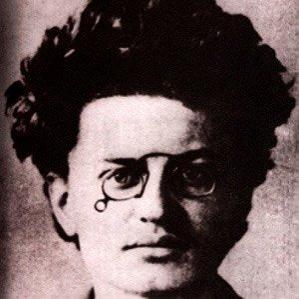 Leon Trotsky bio