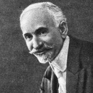 Hovhannes Tumanyan bio
