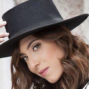 Age Of Mariana Vega biography