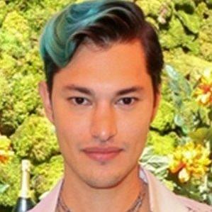 Age Of Zach Villa biography