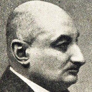Walther Vonholzhausen bio