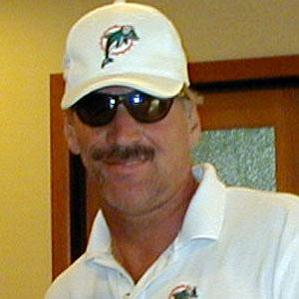 Age Of Dave Wannstedt biography
