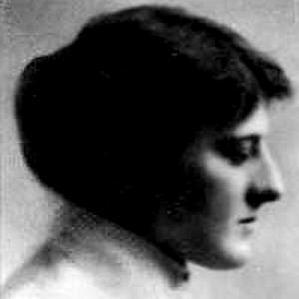 Mary Webb bio