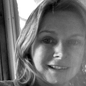 Age Of Suzanne Weyn biography