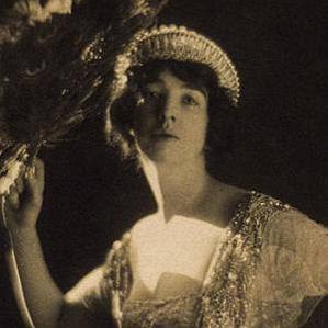Gertrude Vanderbilt Whitney bio