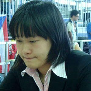 Age Of Zhao Xue biography