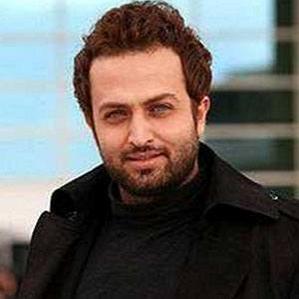 Age Of Mostafa Zamani biography