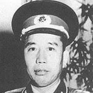 Wang Zhen bio